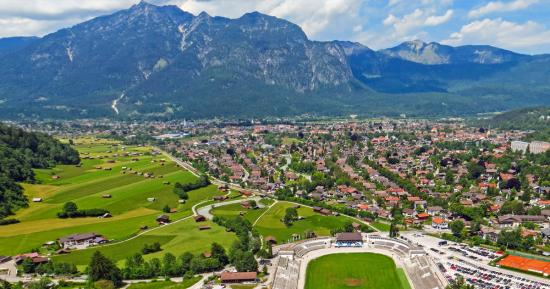 Bus Charter Garmisch-partenkirchen - Best Coach Hire Service