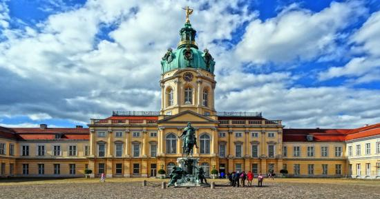 Bus Charter Castle Charlottenburg