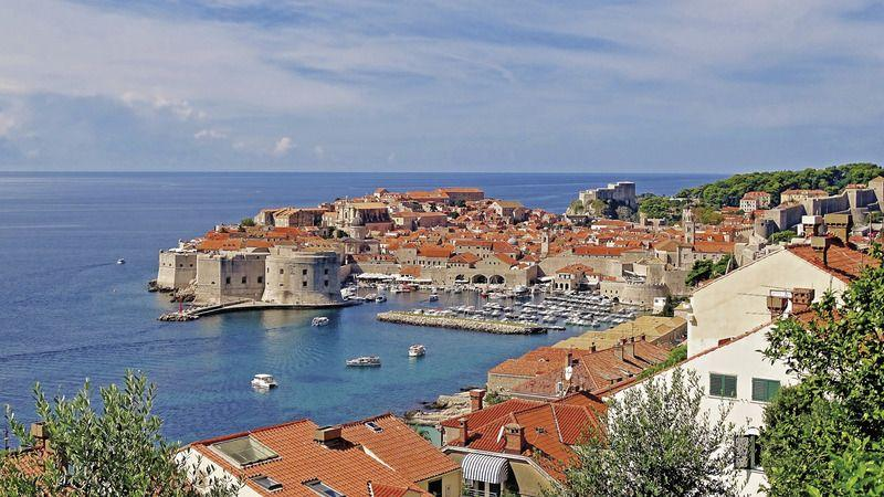 Visit the Top 10 places in Dubrovnik with Coach Charter Germany - your coach charter company
