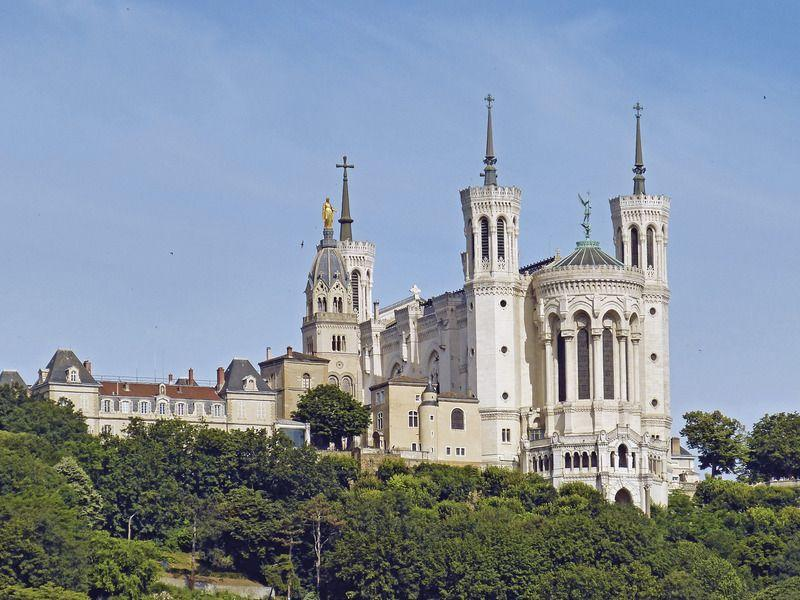 Top 10 places in Lyon | Coach Charter | Bus rental